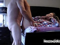 Housewife Kelly gets fucked after a long time on phone with Mom