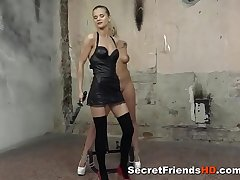 Bee's knees Lee and Sarah Kay in Bdsm Porn