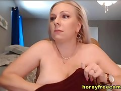Hot Amateur Milf Solo On Webcam