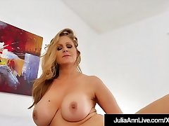 Busty Gorgeous Milf Julia Ann Just Wants In the matter of Fuck Someone!