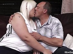 Wife finds husband cheating with pretty good BBW