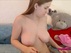 18 Years old girl Young Pussy Masturbates