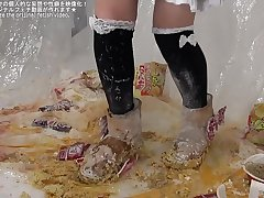 Cup noodles food crush mouton boots