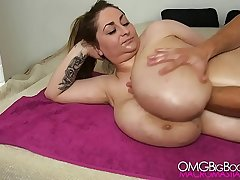 plus range amateur shows big tits