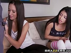 Teens analogous to it Chubby - (Lizz Tayler, Veronica Rodriguez, Mick Blue) - Step Sisters First Cock - Brazzers